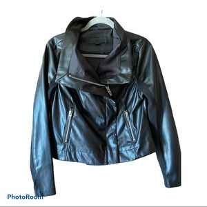 womens faux leather jacket M